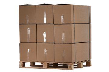 Cutii de carton pe paleti